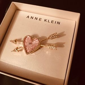 Anne klein heart and arrows pin/ brooch pink